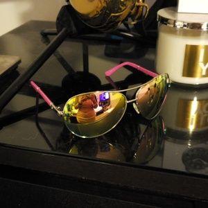 Guess Aviator Sunglasses
